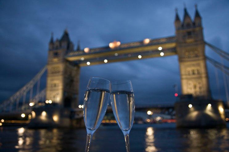 London-Bridge-Champagne