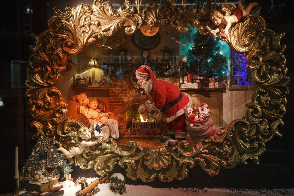 Christmas in London - How London is transformed into a ...